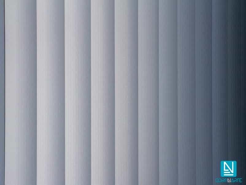 Verticales traslúcidos gris oscuro